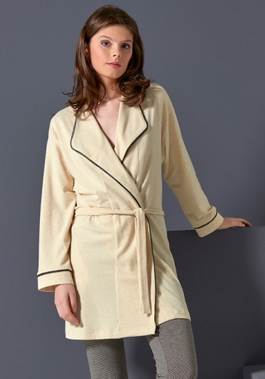 rebecca & bross. Короткий бежевый халат с поясом R&B_3815