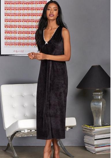 manam Длинная черная велюровая ночная сорочка M_9677